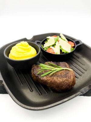Steak variációk, ruccola salátával és szarvasgombás burgonyapürével (Filet Mignon)